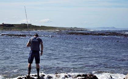 The Scientific Interns prepare for some fishing
